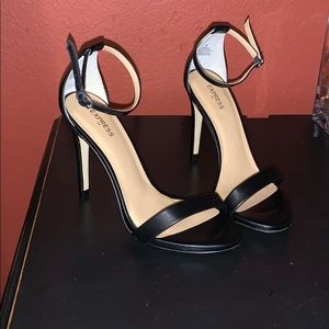Express high heels! New without tags. Size 6